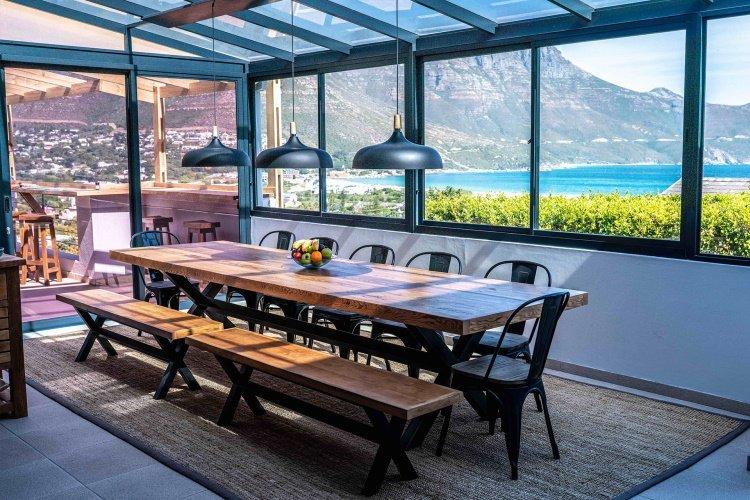 hout & about guest house uitzicht vanaf eetkamer.jpg