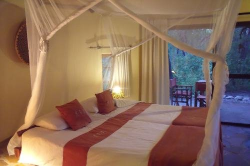 Etosha Aoba Lodge (2)