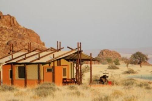 Desert Camp (1)