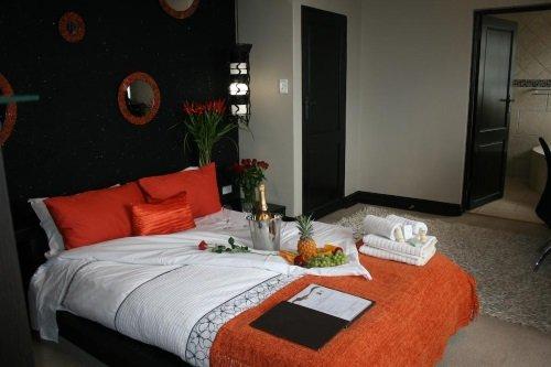 Africa Paradise Airport Guest Lodge buitenkant kamer