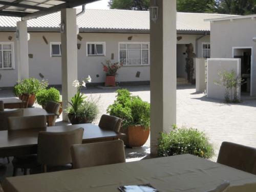 Omaruru Guesthouse binnenplaats