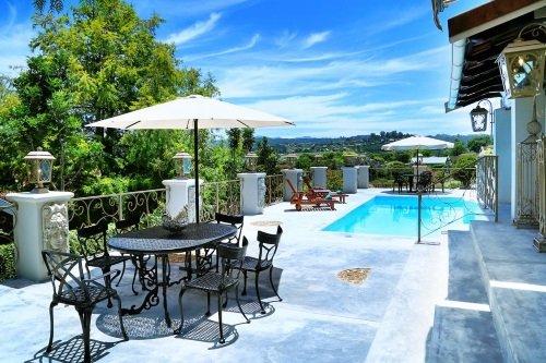 Rexford Manor uitzicht vanaf zwembad