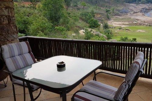 Emafini Guest Lodge balkon