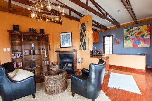 Sweet Ocean View Guest House zitje binnen
