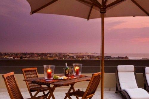 Atlantic Villa Guest House balkom met zeezicht