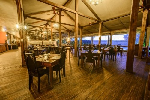 Nkambeni Safari Camp restaurant