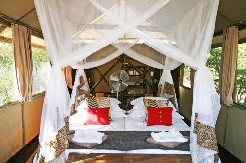 Khowarib Lodge tent van binnen