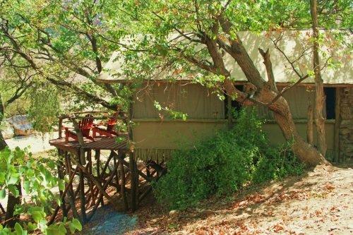 Khowarib Lodge tent buitenkant