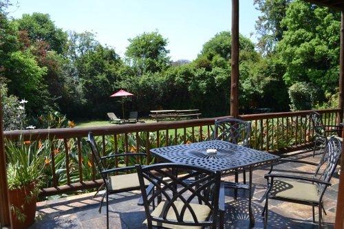 Greenfire Lodge Johannesburg tuin vanaf balkon
