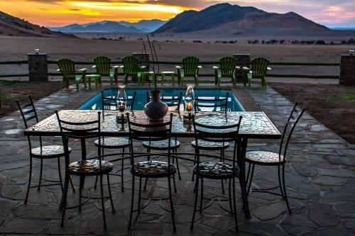 Greenfire Desert Lodge diner buiten