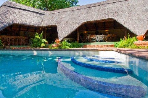 Greenfire Lodge Victoria Falls zwembad