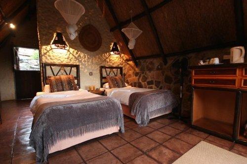 Big Cave Lodge kamer 2 bedden