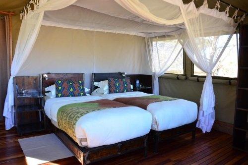 Sango Safari Camp tent van binnen