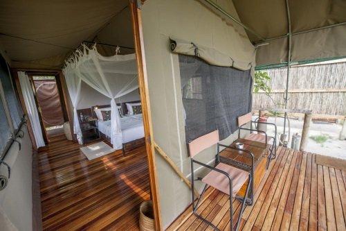 Sango Safari Camp tent met terras