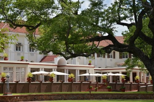 Victoria Falls Hotel buitenterras