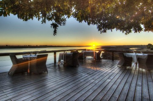 Chobe Game Lodge terras voor diner