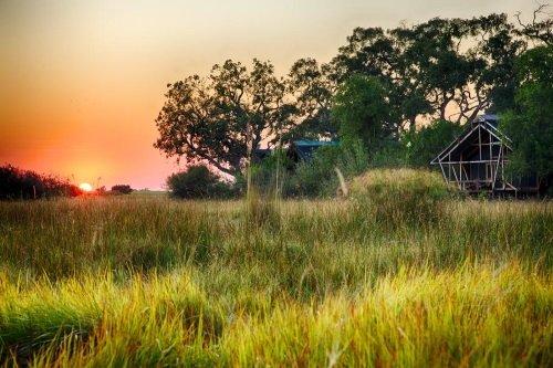 Kwando Lebala Camp tent vanaf afstand