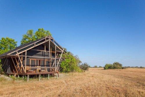 Kwando Lebala Camp tent buiten