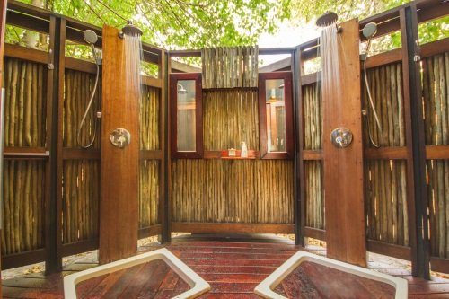 Kwando Lebala Camp tent dubbele buitendouche